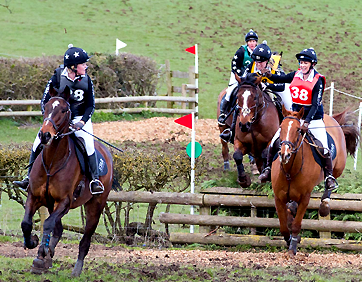 Star Contractors Chasers in black and silver XC colours