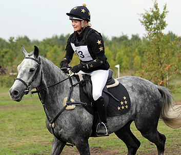 Black and gold Baselayer, Polo, Hat Cover and Saddle Cloth