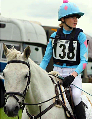 Méabh Clancy wearing capri Colour going XC