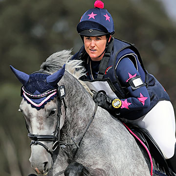 Navy & pink Colours at Hunter Trial